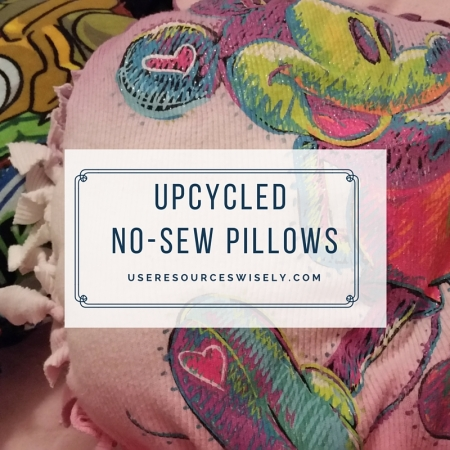 Make no-sew pillows out of recycled T-Shirts. Easy kid craft project.